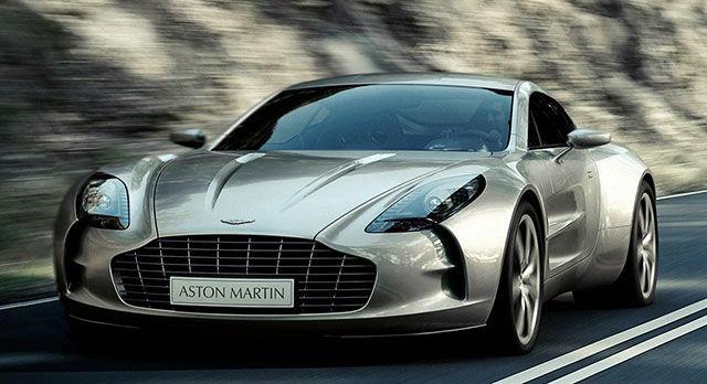Aston Martin One-77 на дороге