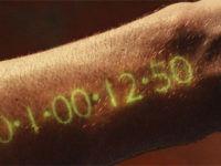 Таймер на руке из фильма Время