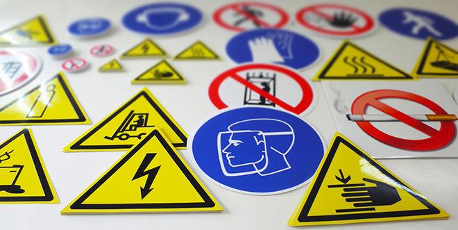 Производство пластиковых знаков