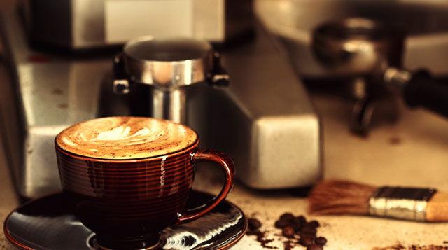Кофе возле кофемашины