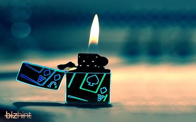 Неоновая зажигалка Zippo