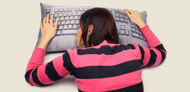 Подушка с рисунком клавиатуры