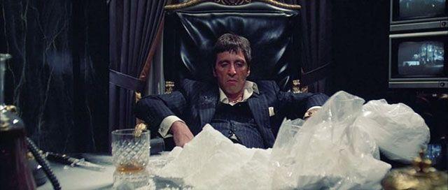 Гора кокаина - кадр из фильма Лицо со шрамом