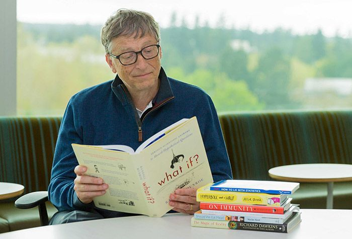 bill-gates-s-knigoy-utrom