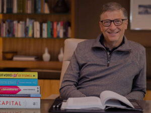 bill-gates-reads-book-thumb